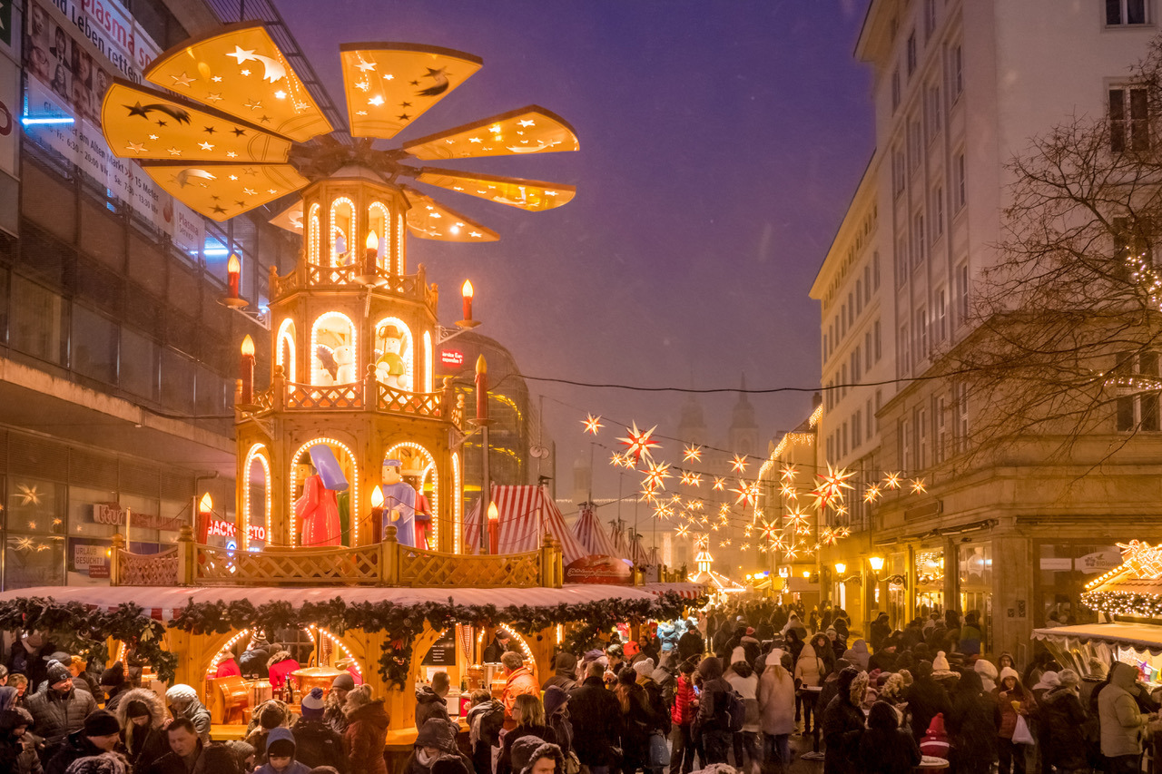 Magdeburg Weihnachtsmarkt öffnungszeiten.Rasanter Rotwams Eröffnet Den Magdeburger Weihnachtsmarkt