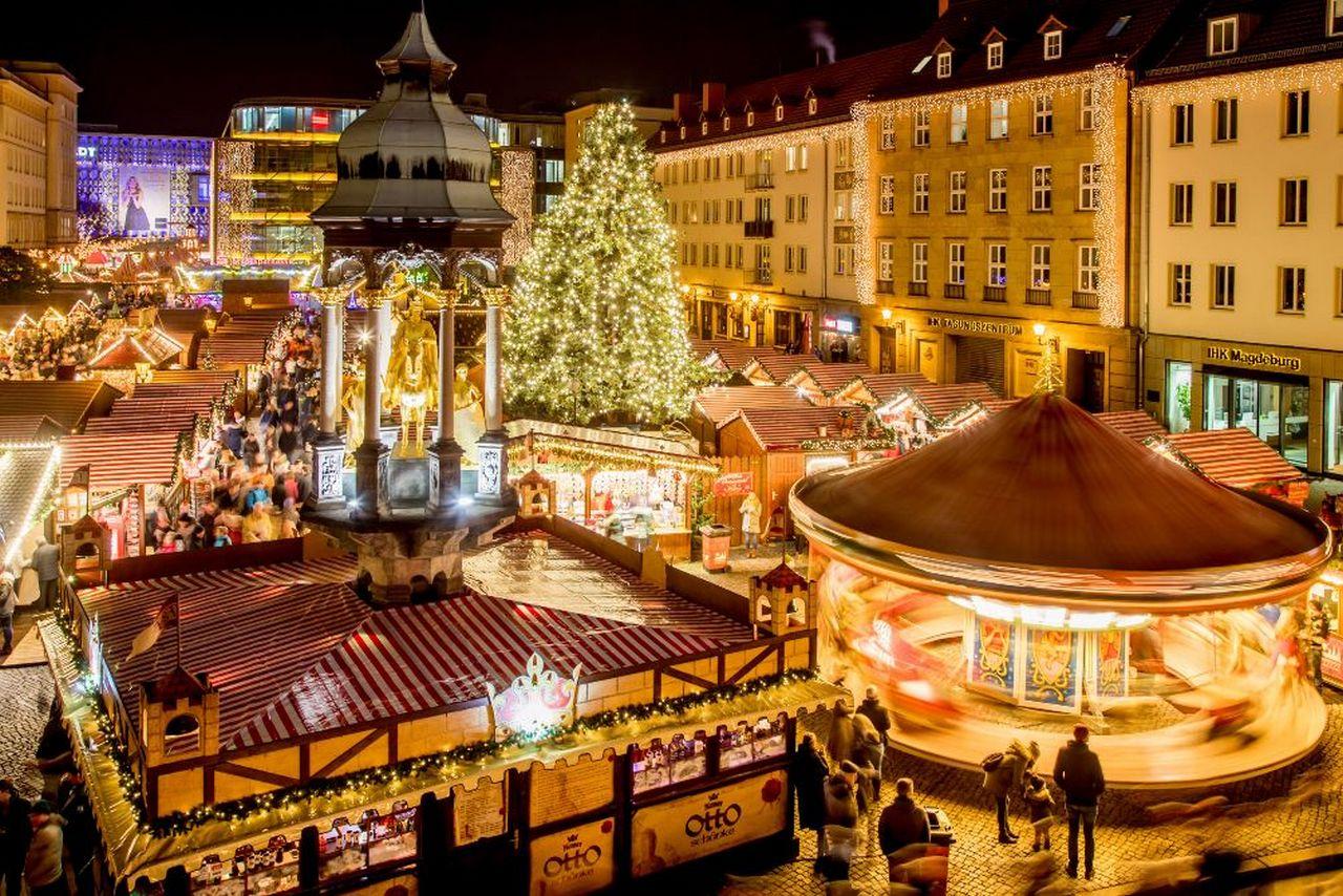 Magdeburg Weihnachtsmarkt öffnungszeiten.Magdeburger Weihnachtsmarkt Singende Nikoläuse Und Tanzende Nonnen