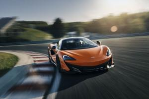 Large 10293 McLarenAutomotiveannouncesrecordglobalsales.news