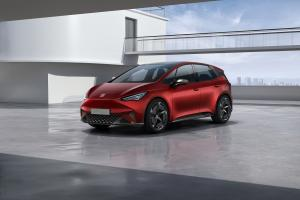 SEAT el Born plugged into electric mobility 01 HQ.news