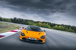 Large 10777 McLaren720Snamed2019WorldPerformanceCarbyWorldCarAwards.news