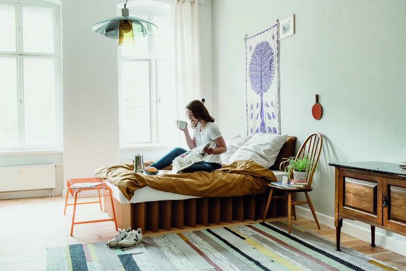 Wohntrends kommen und gehen – Möbel aus Wellpappe passen ...