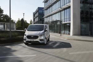 2018 FORD TRANSIT PHEV  07.news