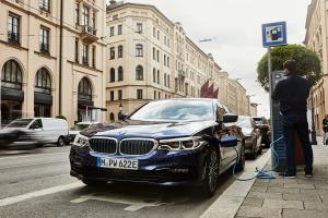 P90359979 highRes the new bmw 530e sed.news