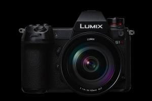 Panasonic LUMIX S1R.news