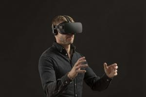 ericsson zeigt mobiles gaming mit 5g virtual reality brille.news