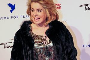 catherine deneuve 300dpi.news