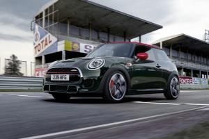 P90377219 highRes mini john cooper wor.news