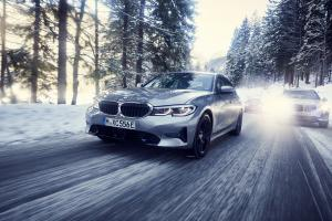 P90334008 highRes the bmw 330e sedan t.news