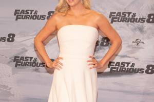 charlize theron 300dpi.news